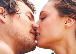 Kızla öpüşme yolları